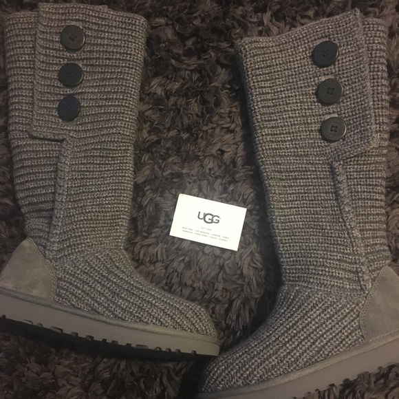 6605ae59c29 UGG Classic Cardy boots size 7 NEW WITH TAGS! NWT